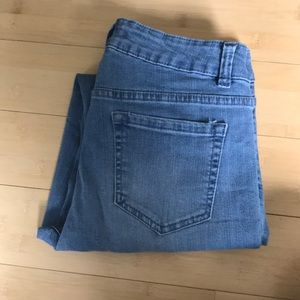 Artisan Jeans - size 4 light wash